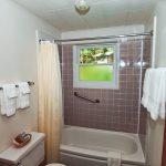 Yes Bay Lodge bathroom